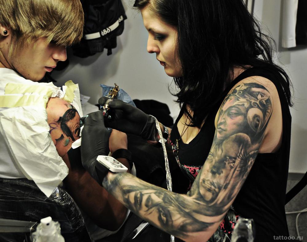 Какой по времени перерыв должен быть между сеансами тату?